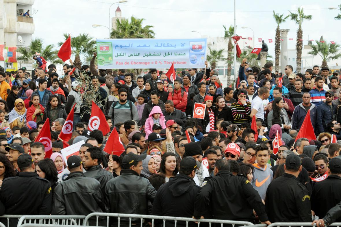 Pochod proti terorismu v Tunisu