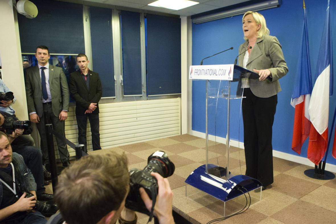Marine Le Penová po místních volbách ve Francii