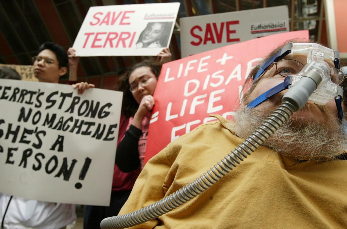 Demonstrace v USA po úmrtí Terri Schiavové