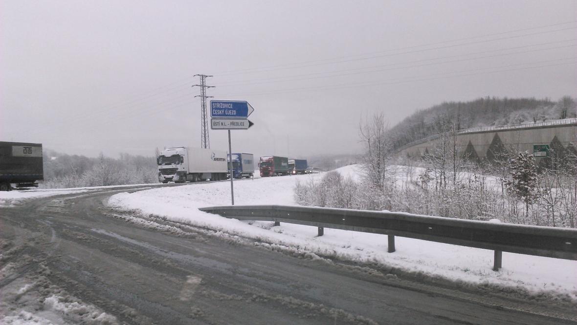 Dopravu v Ústeckém kraji komplikuje sníh
