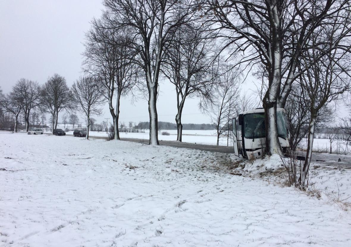 Nehoda autobusu na Žďársku