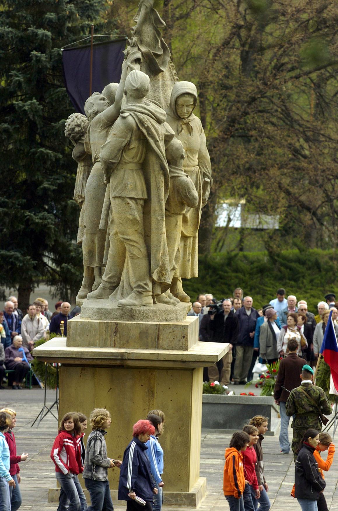 Památník obětem vypálení Javoříčka