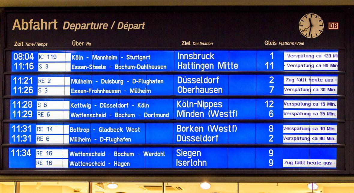 Bouře Niklas ochromila vlakovou dopravu v celém Porýní