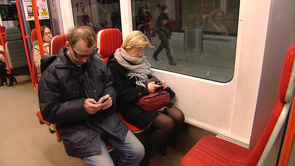 Mobilní signál je zatím v metru jen ve stanicích