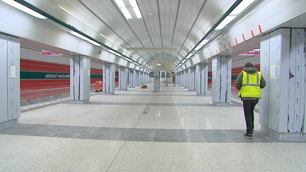 V novém úseku metra A bude signál i v tunelech