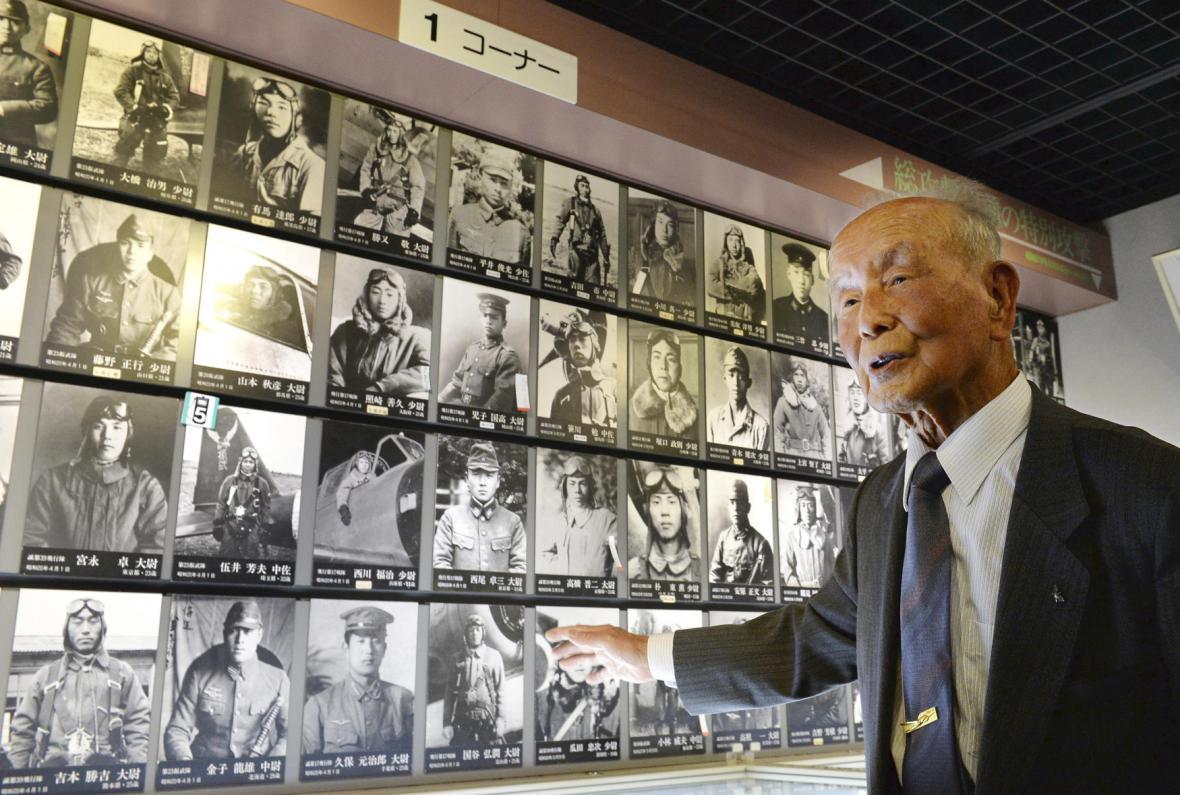 Na Okinawě měl položit život, kvůli poruše letadla může vzpomínat dodnes