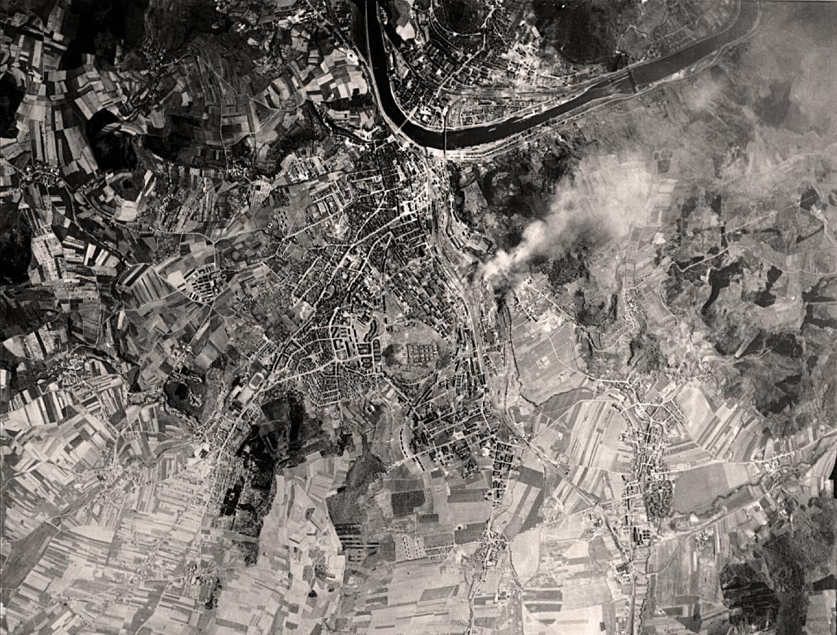 Vyhodnocovací fotografie Ústí nad Labem ponáletech ze 17. a19. dubna 1945
