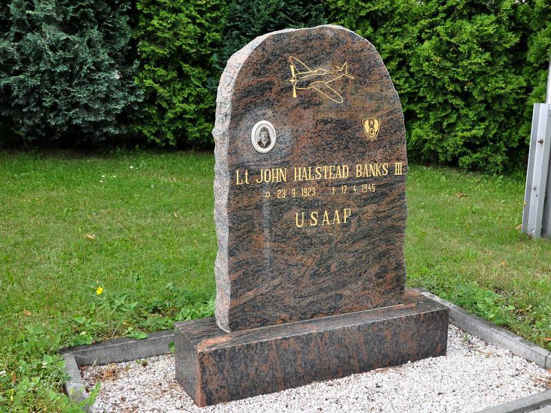 Nový pomník Johna Bankse