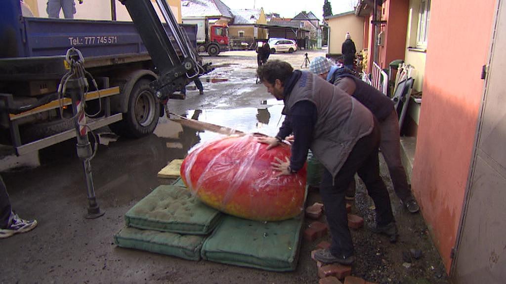 Kraslice váží skoro 500 kg