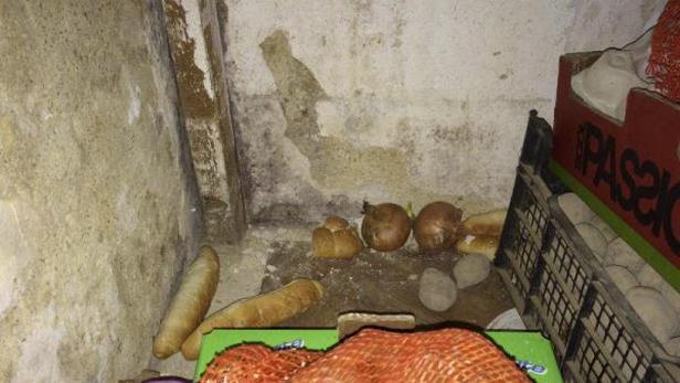 Skladování potravin v hospodě v Libomyšli