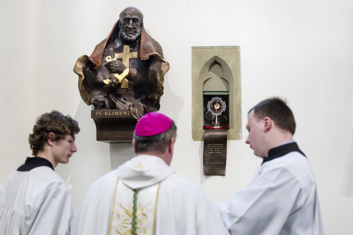 Relikviář umístěný v katedrále svatého Ducha