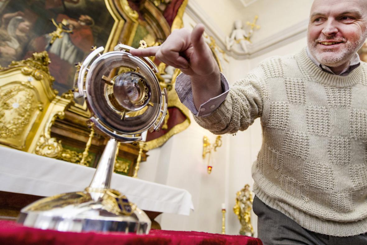 Pavel Šrytr navrhl podobu relikviáře s ostatky Jana Pavla II.