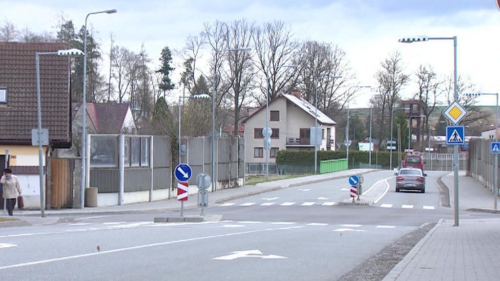 Na některých křižovatkách v Soběslavi není směr na D3 značen vůbec