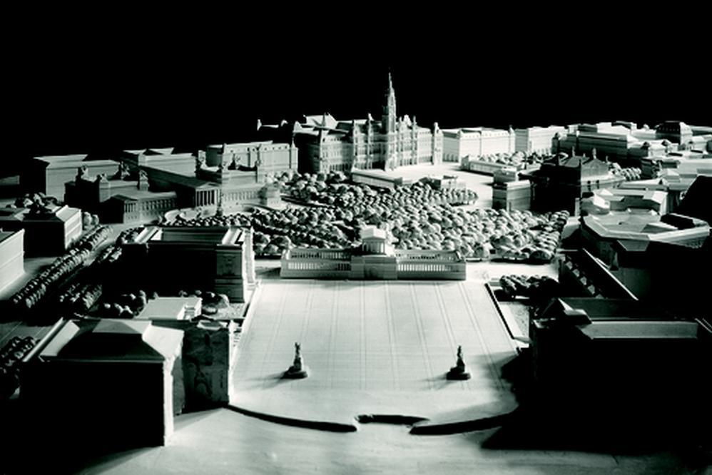 Návrh Hannse Dustmanna na náměstí Hrdinů mezi Hradem a radnicí, 1942