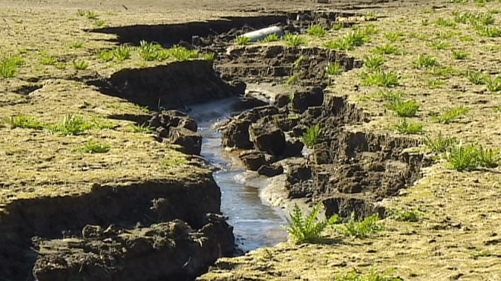 Řada přirozených vodních zdrojů je na svém minimu