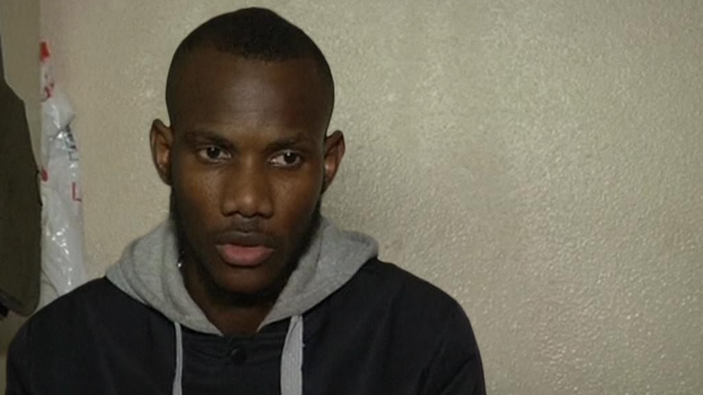 Lassana Bathily na záběrech po útoku v košer prodejně