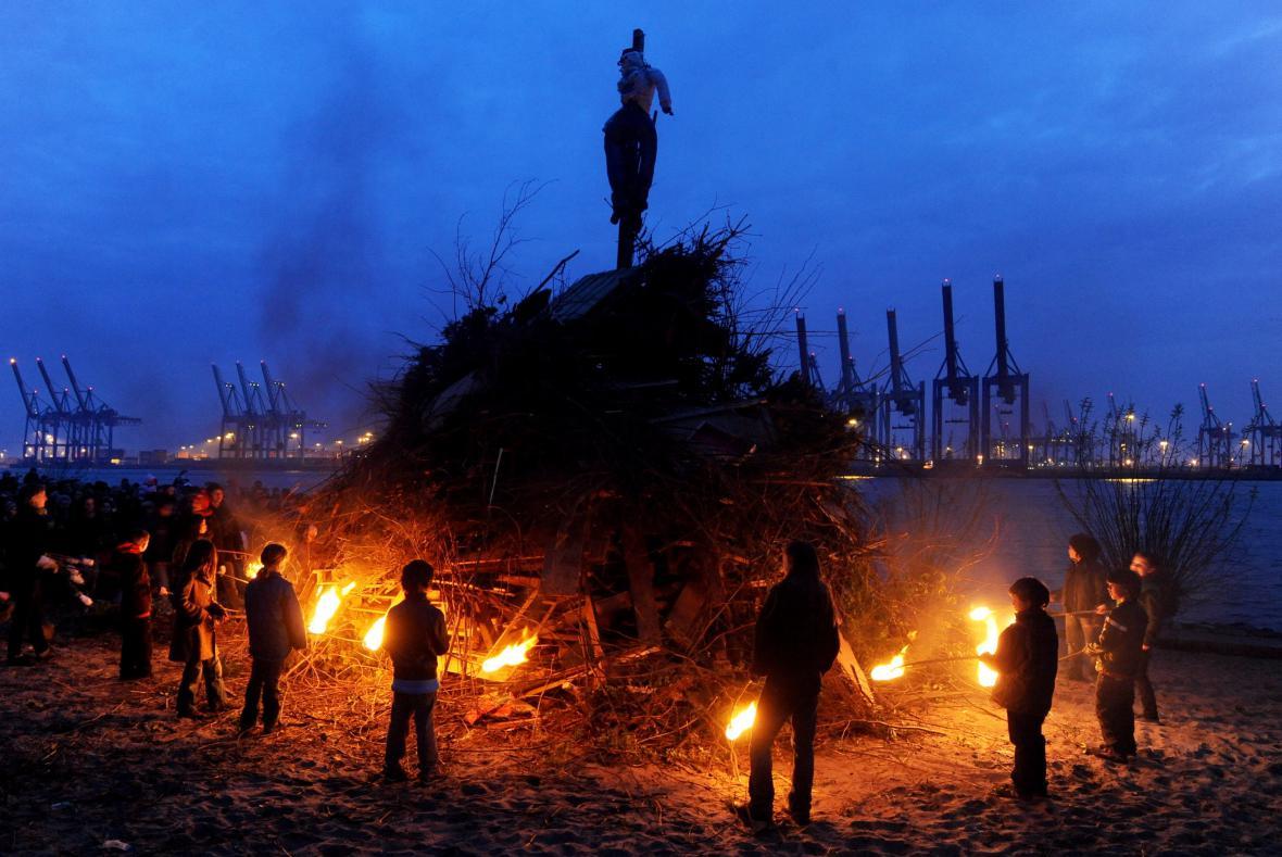 V Německu je také zvykem zapalovat o Velikonocích ohně