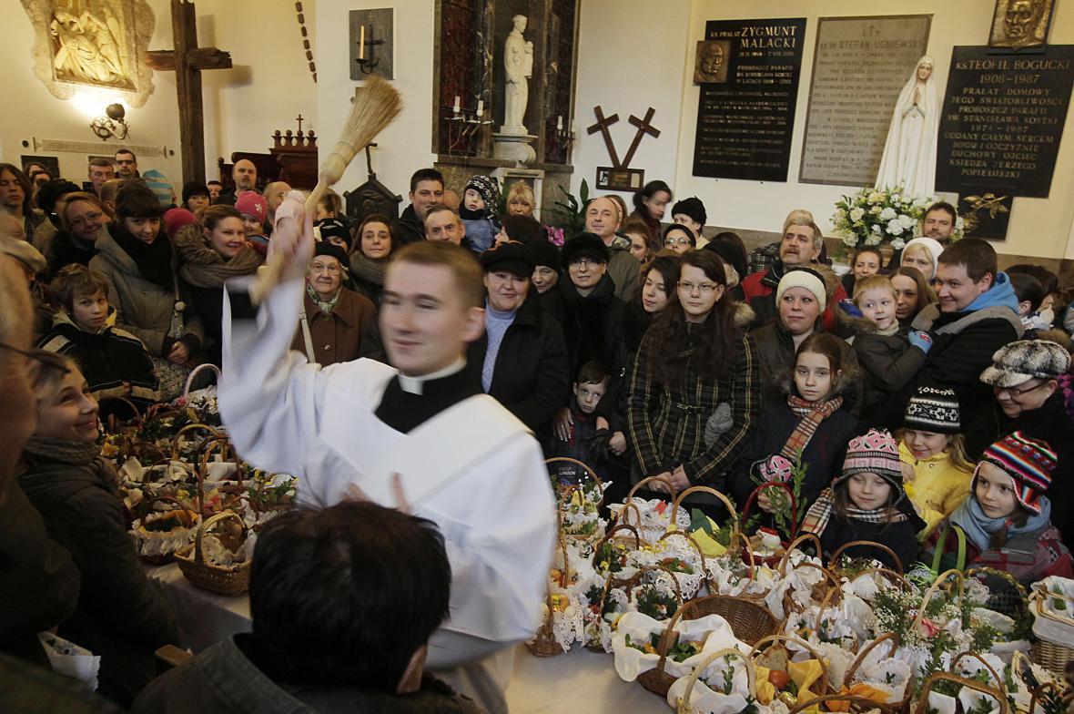 V Polsku na Bílou sobotu světí jídlo v kostelích