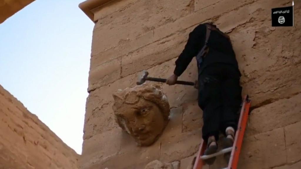 Ničení památek v Hatře