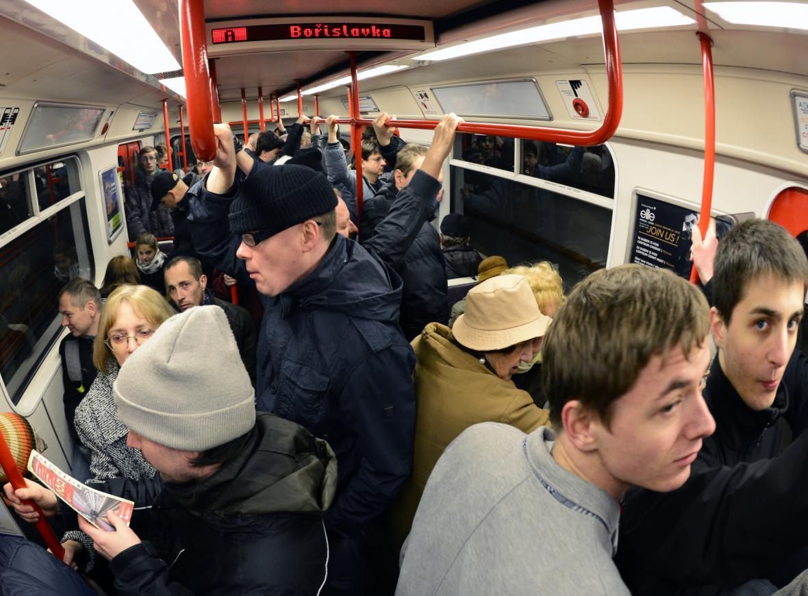 První den provozu nového metra