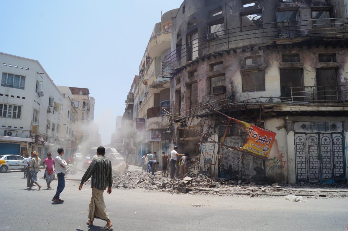 Následky bojů v Adenu