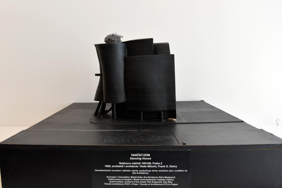 Dotykový model Tančícího domu na EXPU 2015