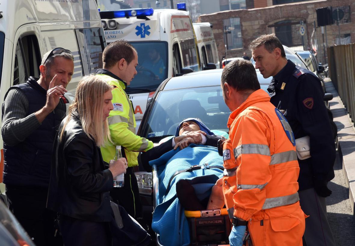 Zraněný muž po útoku u soudu v Miláně