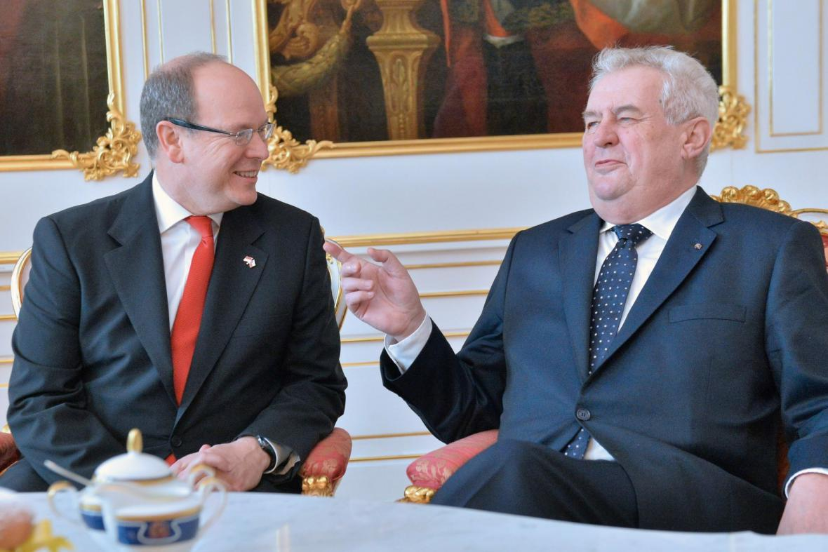 Monacký kníže Albert II. s prezidentem Zemanem