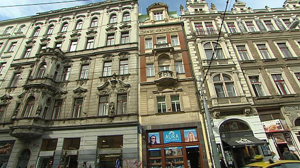 Rodina vlastnila i úzký dům ve Vodičkově ulici