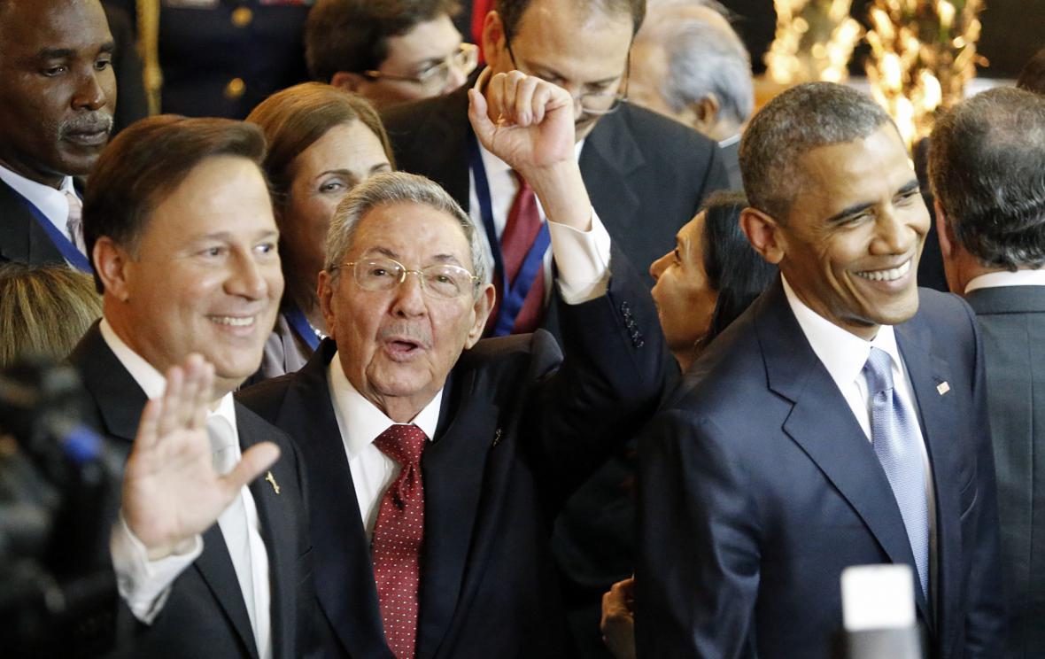 Prezidenti Panamy, Kuby a USA na zahájení summitu v Panamě