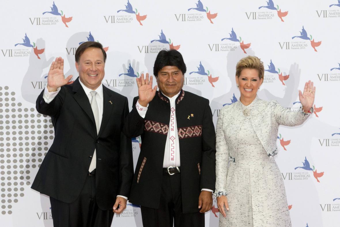 Summitu v Panamě se účastní i prezident Bolívie Evo Morales (uprostřed)