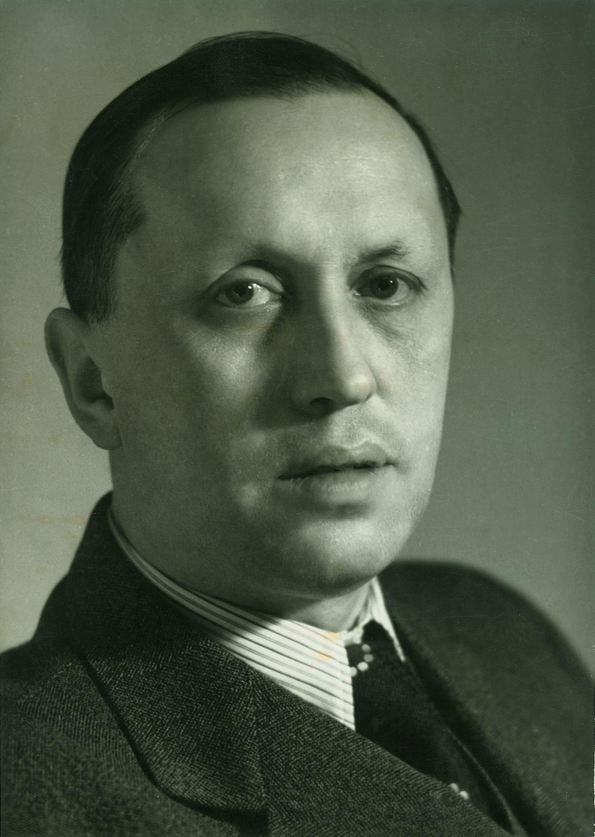 Staša Fleischmannová, Olga Housková / Karel Čapek, 1938