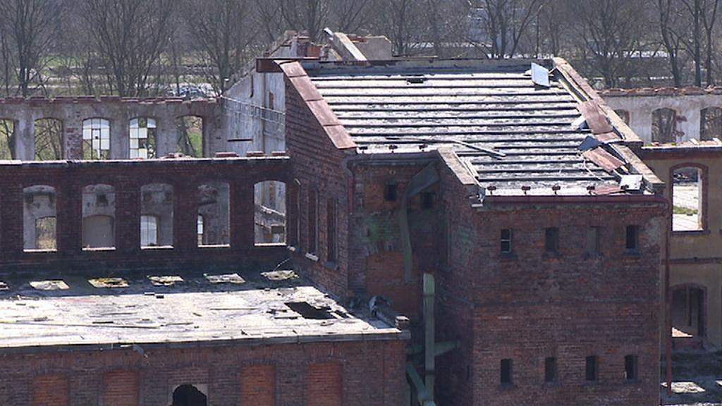 Ruina továrny v Meziměstí