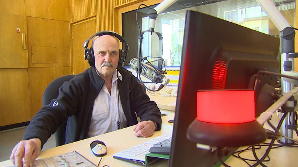 Bývalý rozhlasový komentátor Pavel Kroneisl