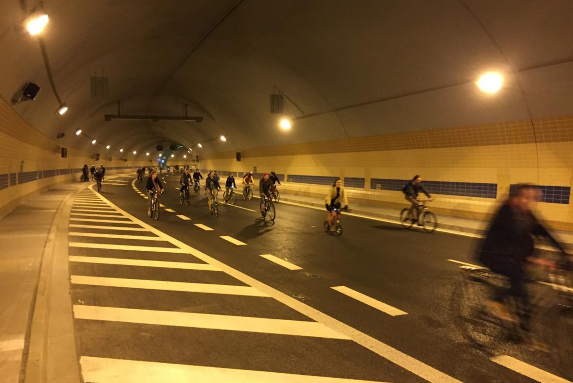 Velká jarní cyklojízda v tunelu Blanka