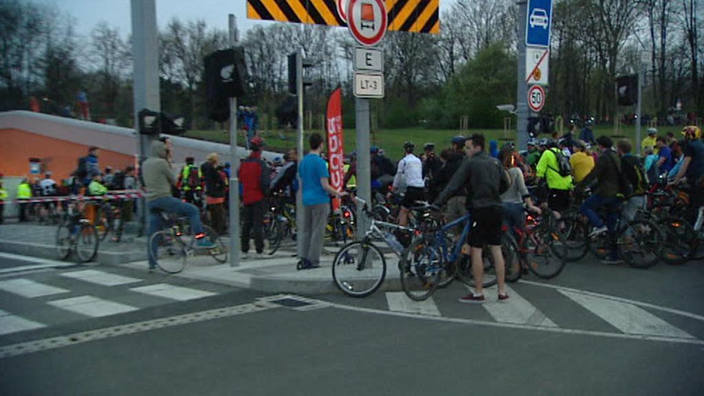 Cyklisté vjíždějí do Blanky