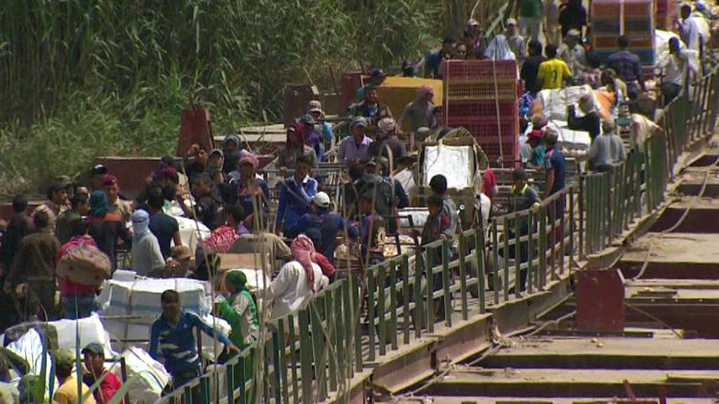 Z Ramádí prchají tisíce rodin