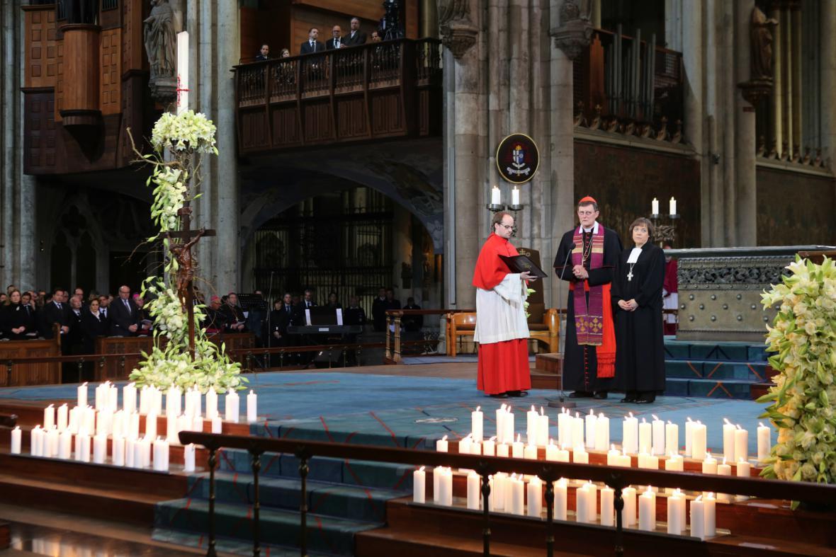 Bohoslužba za oběti pádu letadla Germanwings