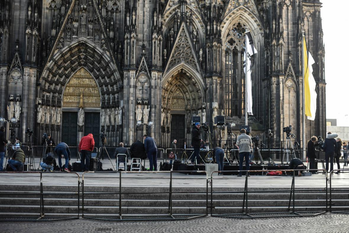 Přípravy pietní akce v Kolíně nad Rýnem