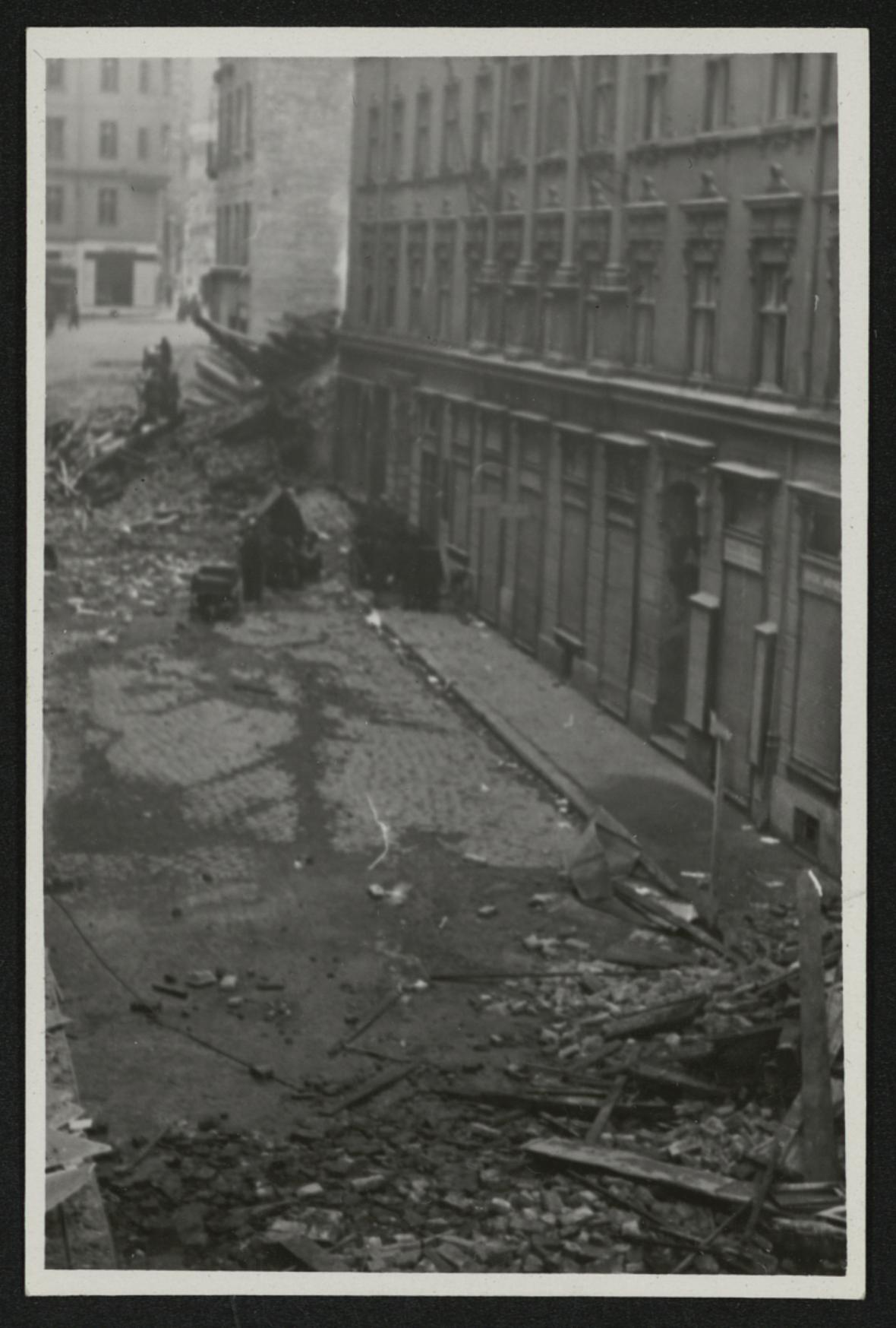 Brno po bombardování (ulice Veselá)