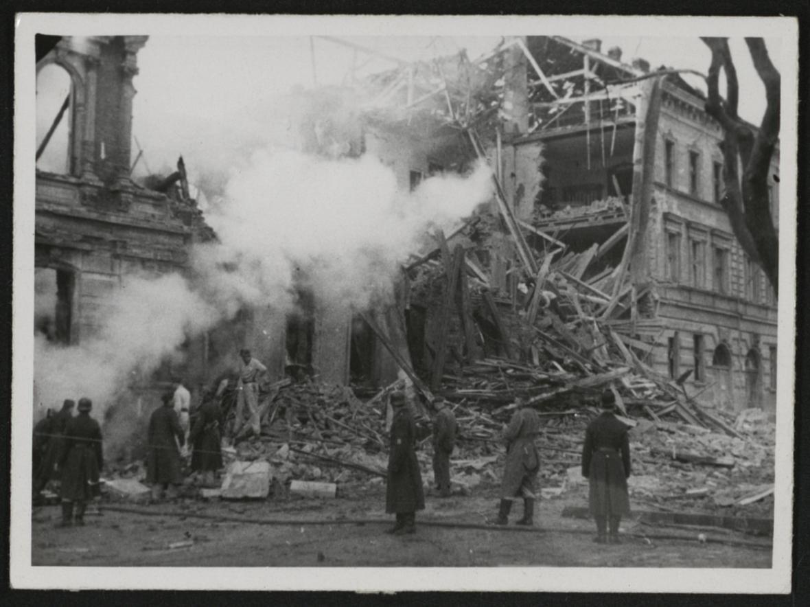 Brno po bombardování (ulice Údolní)