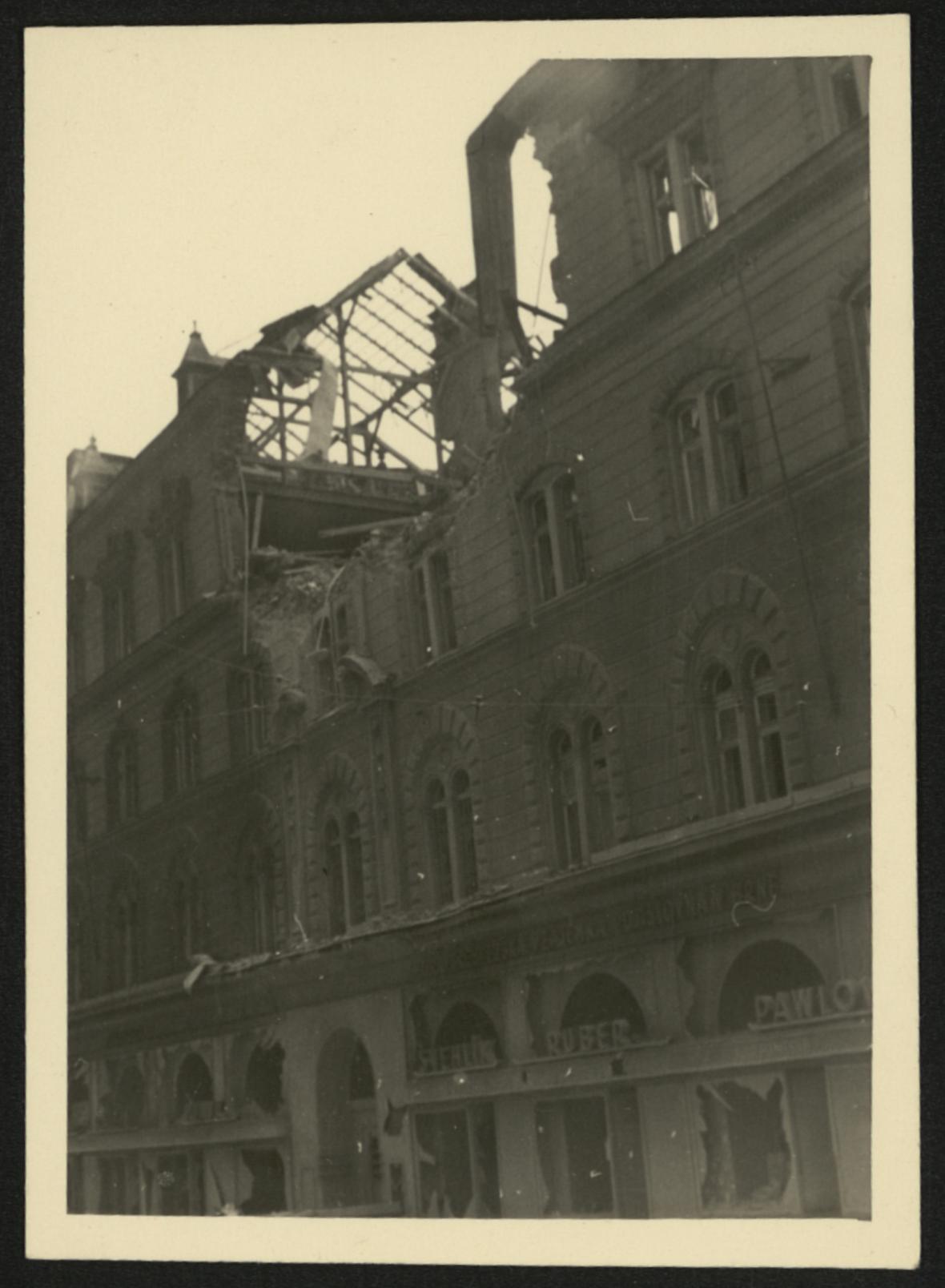 Brno po bombardování (ulice 9. května)