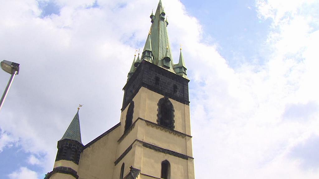 Kostel s nejšikmější věží na sever od Alp