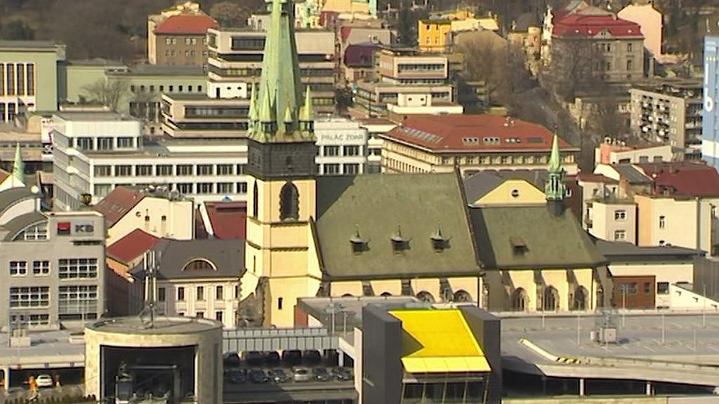 Kostel v Ústí nad Labem má po náletu šikmou věž