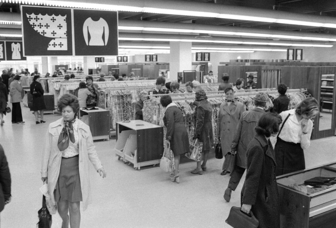 Otevření OD Máj - duben 1975