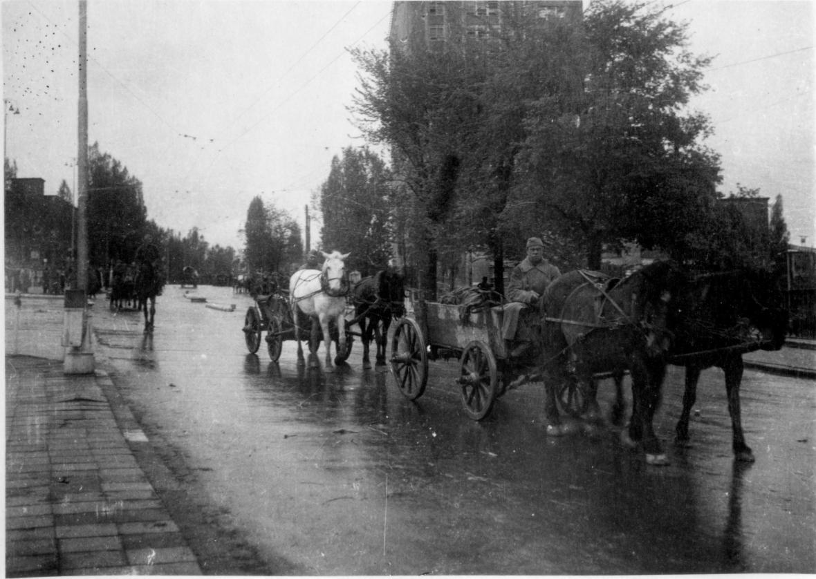 Sovětské vozatajstvo ve Zlíně (květen 1945)