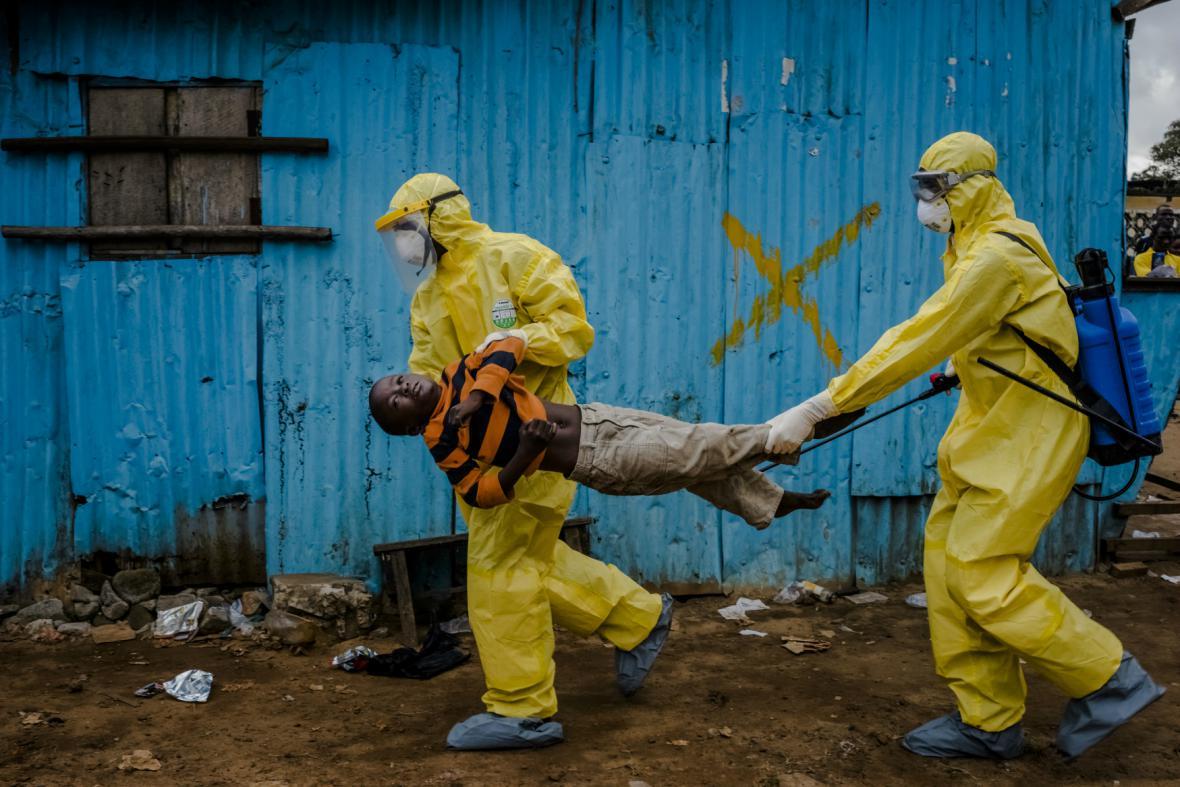 Série fotografií deníku The New York Times o epidemii eboly získala letos Pulitzerovu cenu