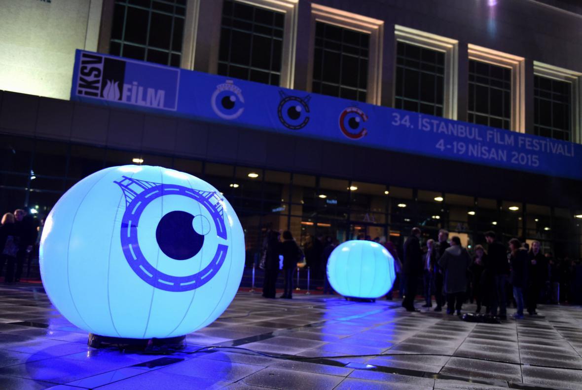 Logo 34. mezinárodního filmového festivalu v Istanbulu