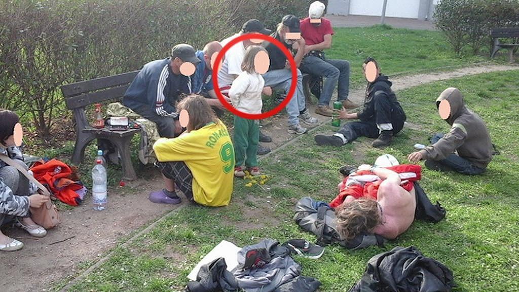 Dívka žila mezi bezdomovci