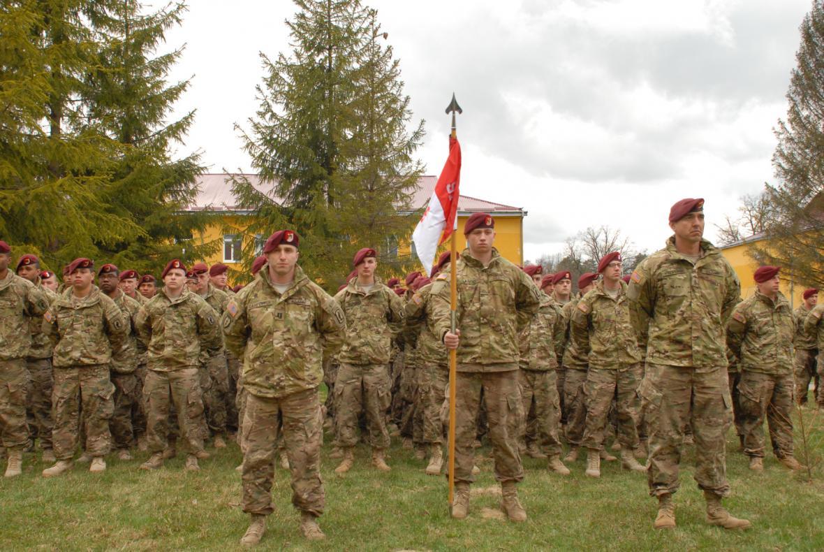 Američané cvičí ukrajinskou armádu